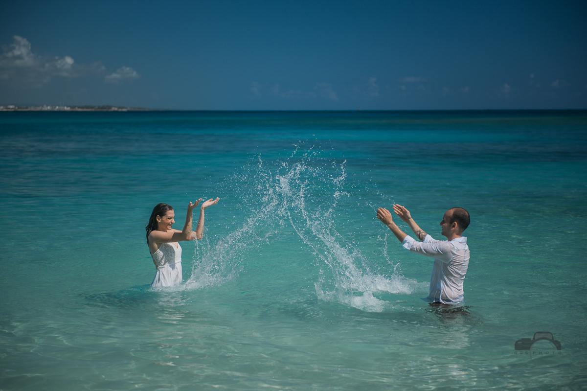 Wedding beach photo session in Macao